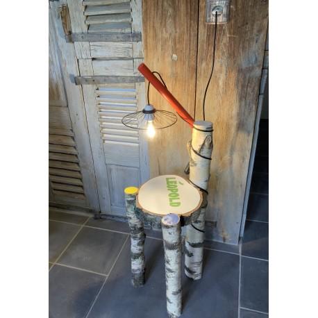 TABLE DE CHEVET LAMPE